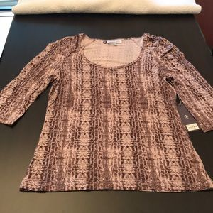 NWT Jennifer Lopez 3/4 sleeve top